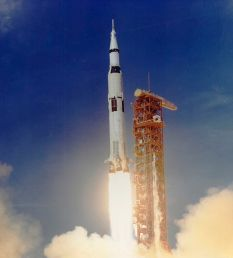 Apollo_11_Launched_Via_Saturn_V_Rocket
